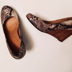 • NEW clarks wooden wedges •
